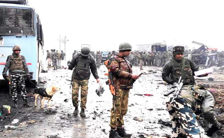 পাকিস্তানে গাড়িবহরে হামলা, ৮ সেনা নিহত