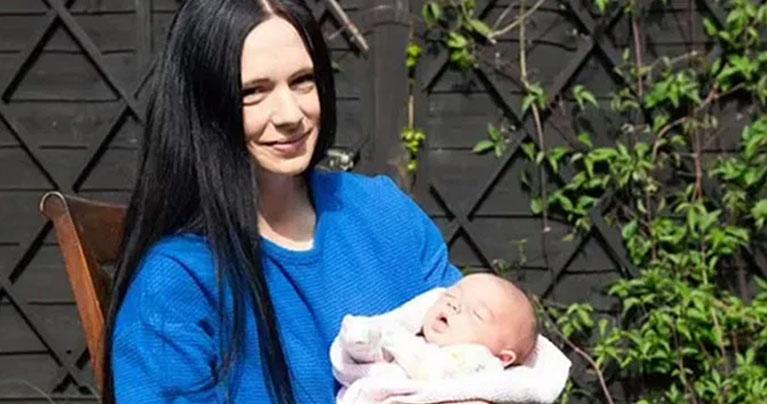 মাত্র ২৭ সেকেন্ডে সন্তান জন্ম দিলেন ব্রিটিশ তরুণী সোফি বাগ