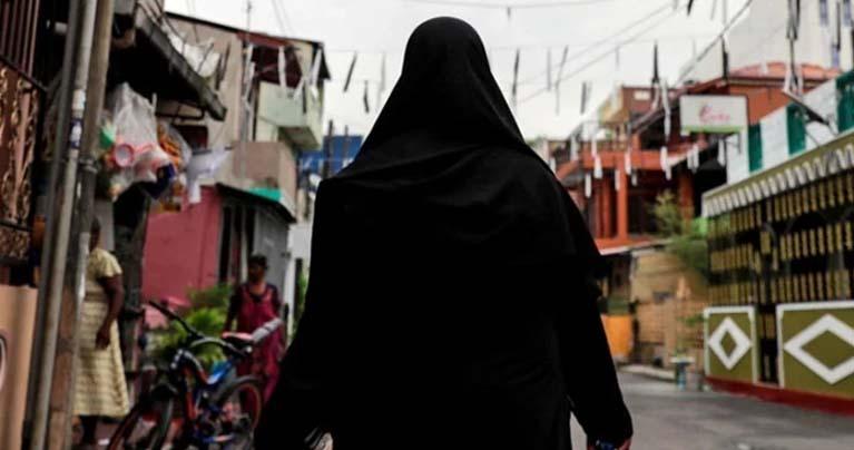 শ্রীলংকায় নিষিদ্ধ হচ্ছে বোরকা, বন্ধ হবে হাজারের বেশি মাদ্রাসা