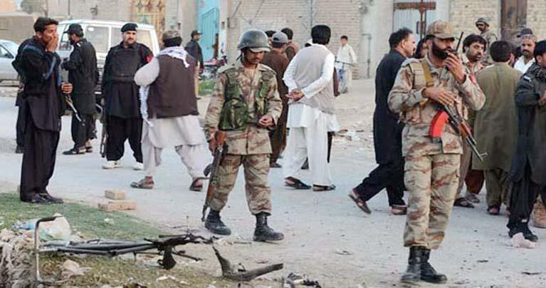 পাকিস্তানে বন্দুকধারীদের গুলিতে ৭ সেনা নিহত